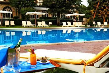 Venice-des-bains-hotel-swimmin